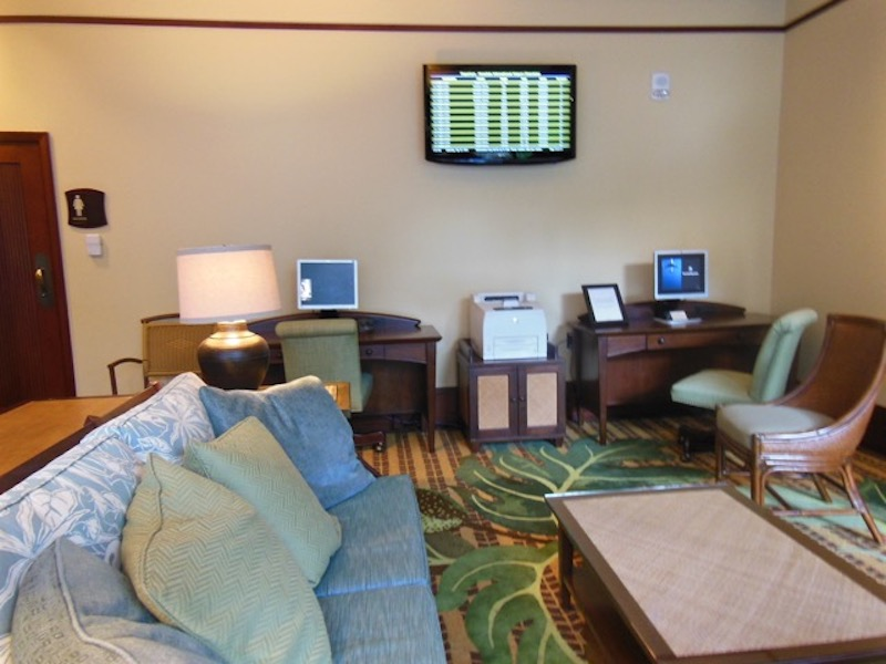 Luana Lounge 1 -  Check in/Check out room for guests