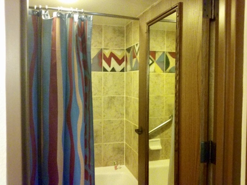 Bathroom Tub & Shower
