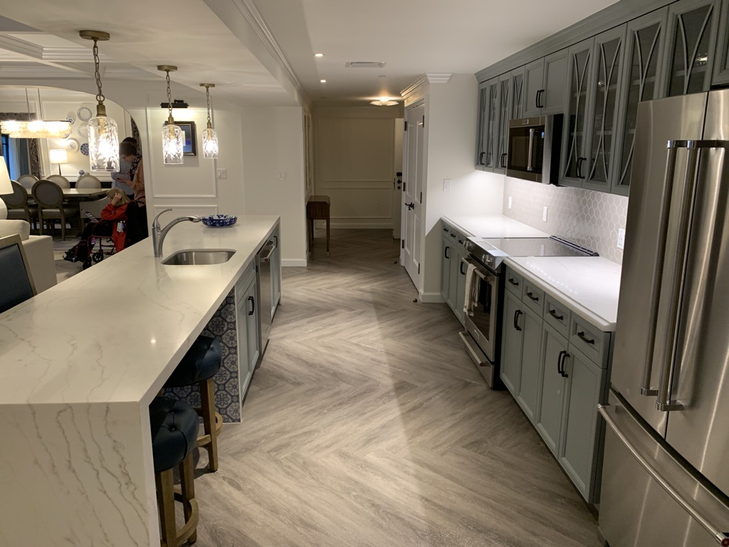 Grand villa kitchen counters and island