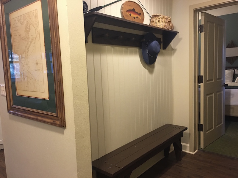 Villa entry with bench and hooks